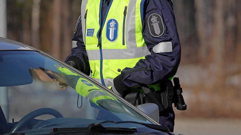 poliisi puhallutus rattijuoppo