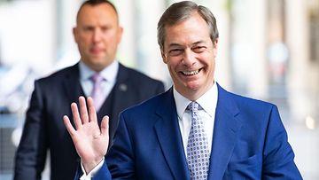 Nigel Farage saapumassa The Andrew Marr Show -ohjelman vieraaksi 12.5.2019