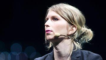 Chelsea Manning LK
