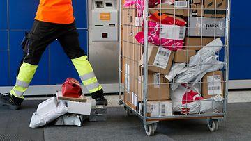 AOP posti paketti