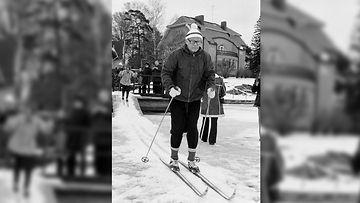 Kekkonen hiihtää