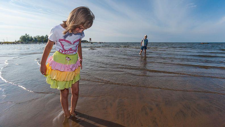AOP kesä helle ranta lapset uimaranta kalajoki meri