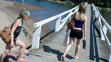 kesä juhannus lämpö uinti helle