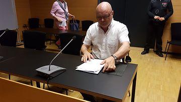 Tapio Suominen oikeudessa oma