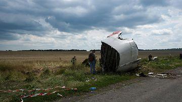 aop malesialaiskone ukraina MH17