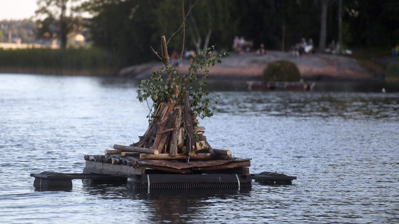 lk Helsinki juhannus Seurasaari kokko