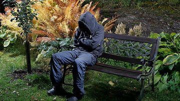 AOP masennus kuvituskuva puisto