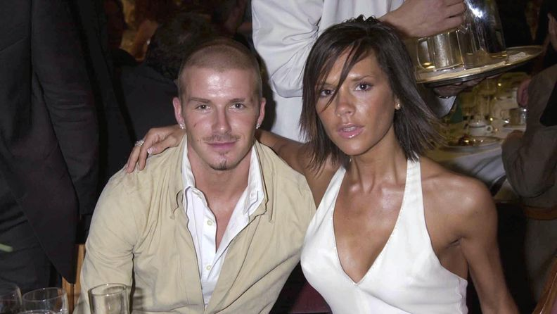 Beckhamit 2001