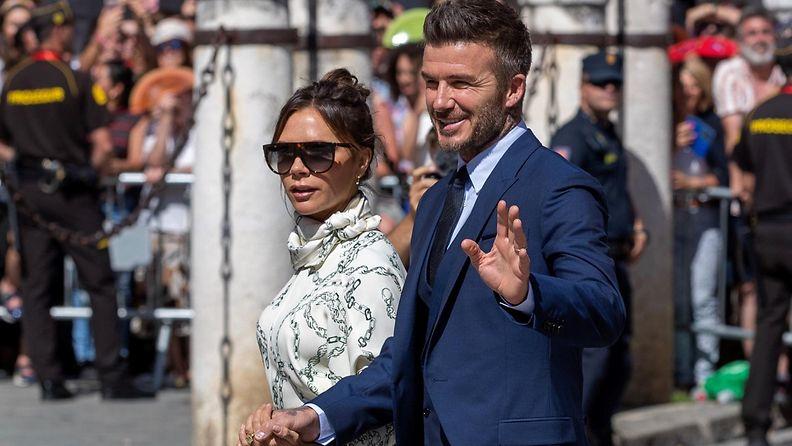 Beckhamit häissä Espanjassa kesällä 2019