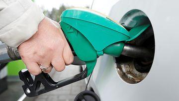 bensiini bensa tankkaus AOP