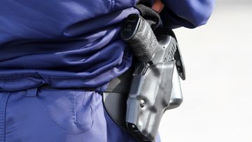 AOP poliisi virka-ase pistooli