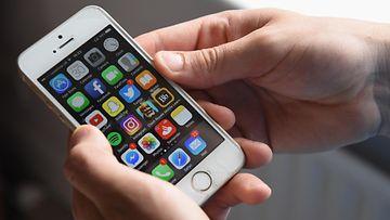 AOP kännykkä, facebook, apple, puhelin, digi