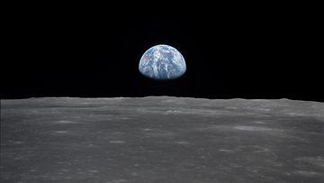 Maapallo Apollosta katsottuna