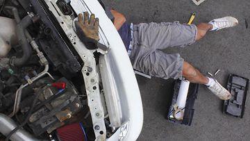 mekaanikko tunkki autohuolto autokorjaamo
