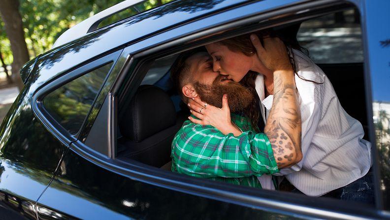seksiä autossa