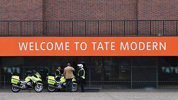 LK, Tate Modern, lontoo