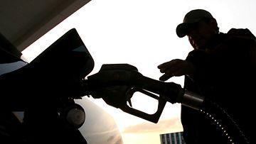 tankkaaminen tankkaus bensiini diesel polttoaine