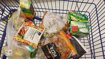 ostoskärryt kauppa ruoka AOP (1)