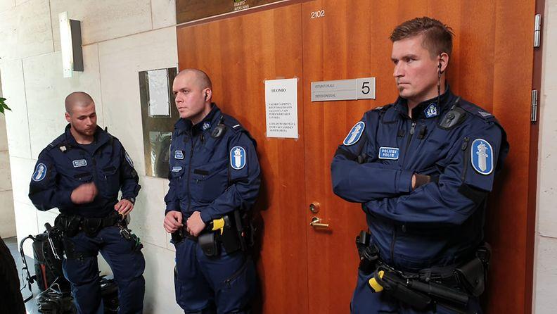 poliisit_vantaa2