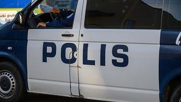 aop poliisi, poliisiauto