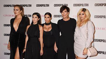 AOP Kardashian perhe 25.FFN20B
