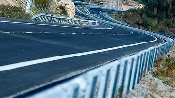 moottoritie kuvituskuva