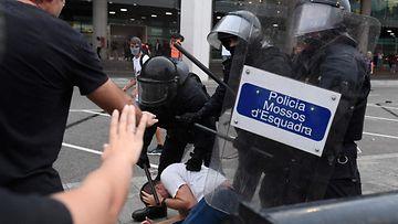 LK, Barcelona, mielenosoitus, Espanja2