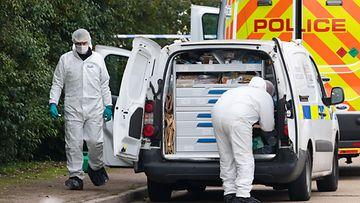 Britannia Essex ruumiit poliisin tutkijoita