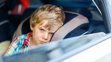 varastettu auto,lapsi