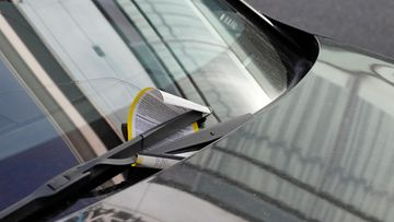 AOP, parkkisakko, sakko, tuulilasi, auto, pysäköintivirhemaksu