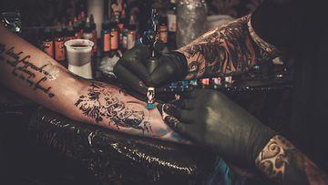tatuoija, tatuointi