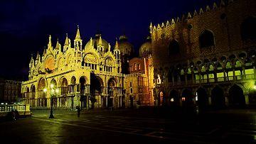 Pyhän Markuksen kirkko Venetsia Basilica di San Marco 26.02569744