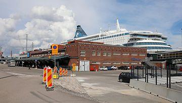 aop Helsingin länsiterminaali, satama, risteilyalus