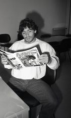 VAIN KERTAJULKAISU Maradona