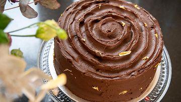Suklaa-taatelikakku kuva