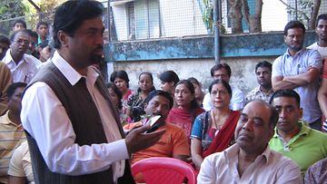 Explaining miracle at Mumbai Photo Subodh Sinha