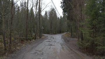 kuva tieltä