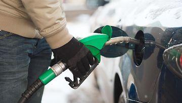 tankkaus tankkaaminen huoltoasema bensa diesel polttoaine