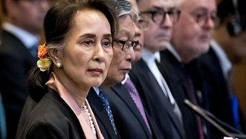 LK Aung San Suu Kyi, Myanmar