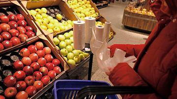 aop kuluttaminen, kauppa, ostokset, hedelmäosasto