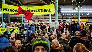 LK: alankomaat mielenosoitus ilmastonmuutos greenpeace