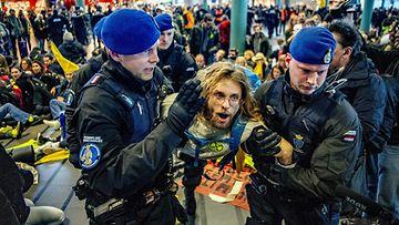 LK: alankomaat mielenosoitus amsterdam