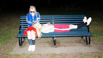 Maustetytöt Anna ja Kaisa Karjalainen promo 2019 2