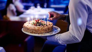 kakku syntymäpäiväkakku syntymäpäivä