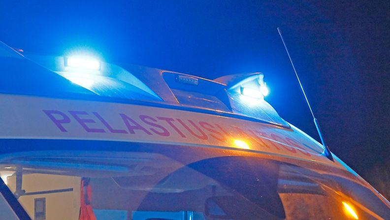 pelastuslaitos ambulanssi kuvituskuva