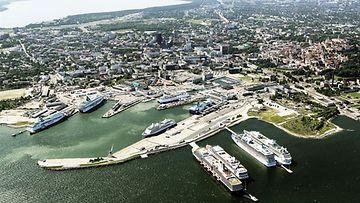 Havainnekuva Tallinnan satamaan nousevasta uudesta terminaalista.