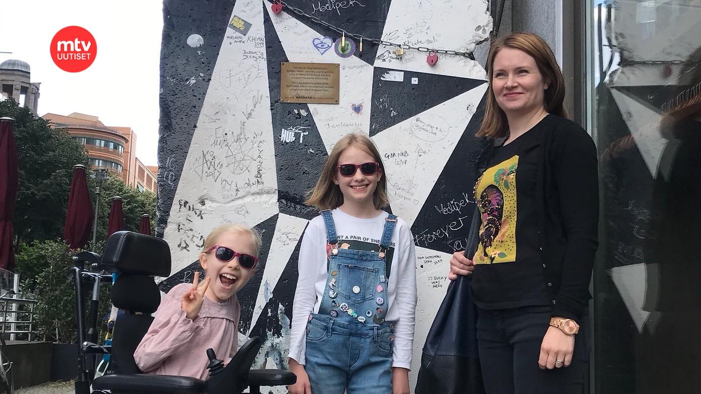 """10-vuotias Milla sairastaa harvinaista perinnöllistä lihassairautta – diagnoosi oli sokki äidille: """"Milla ei tule koskaan kävelemään"""""""