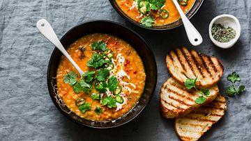 Linssikeitto keitto kasvisruoka curry
