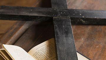 AOP raamattu risti