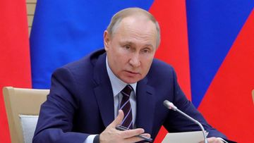 TallennaSome LKS 20200116 57314fa1b72c579e; Russian President Vladimir Putin meets with his newly formed working group for amending the constitution at the Novo-Ogaryovo residence outside Moscow on January 16, 2020.
